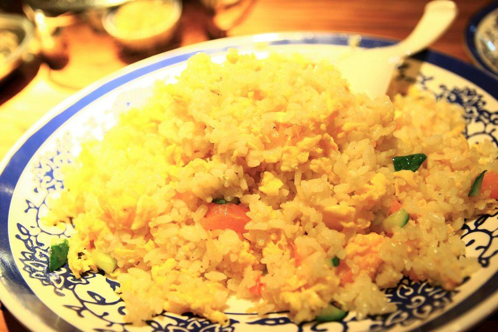 中華料理の定番の炒飯を上海でも食べる