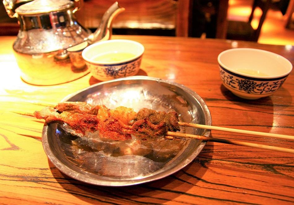 上海の羊肉の串焼き