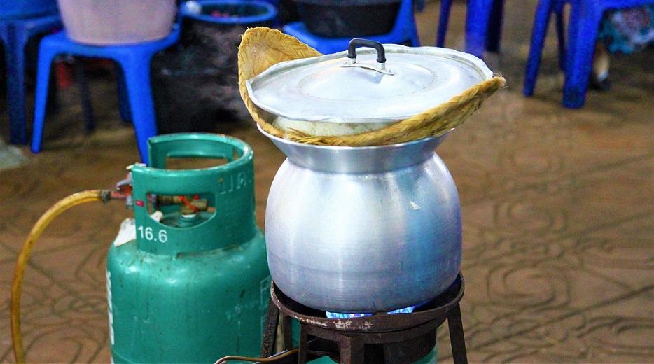 東南アジアの米の炊き方