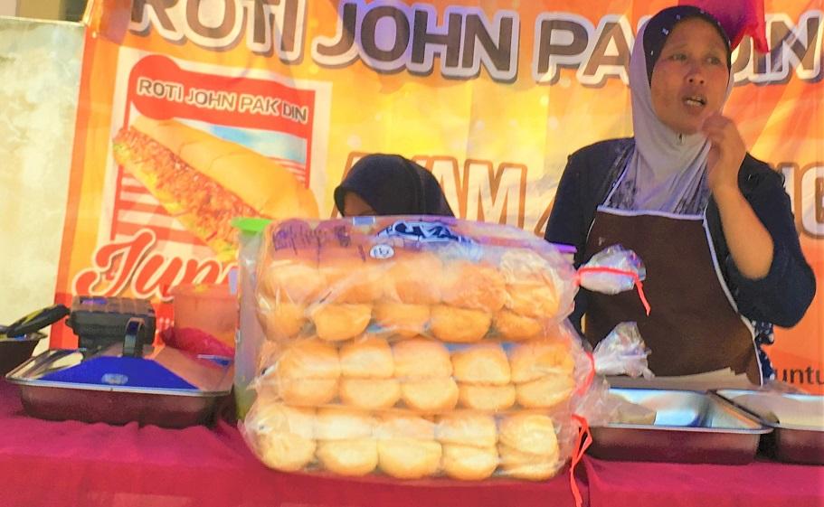 マレーシアのクアラルンプールの屋台のパン屋さん