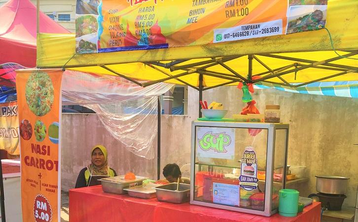 マレーシアのクアラルンプールの屋台の弁当屋さん