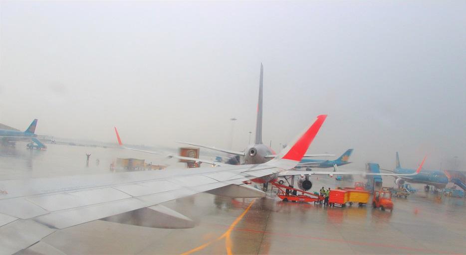 海外旅行はベトナムへ。ホーチミン空港に着いたエアアジアの飛行機の機内の写真
