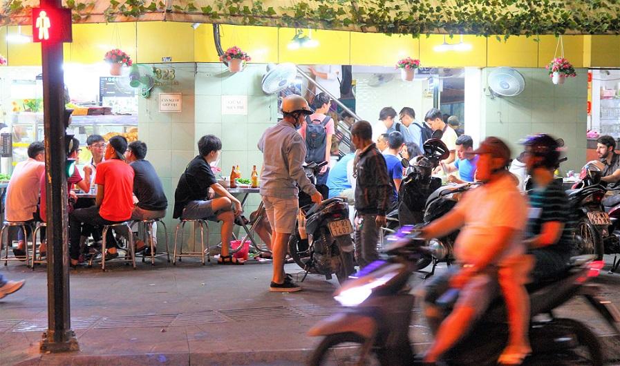 ベトナムホーチミンのフォーの安食堂の写真