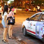 海外旅行中にタクシーを利用する場合は、ぼったくりタクシーに用心しよう。