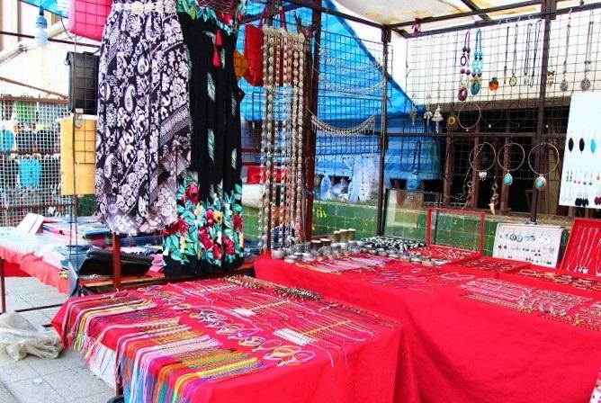チェンマイのナイトマーケットの写真ータイ旅行