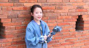 チェンマイ観光のお勧めスポットのターペー門にいた美少女【タイ旅行】
