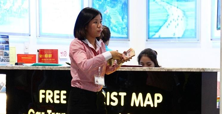 ハノイ(ノイバイ)空港の両替屋の写真【ベトナム旅行】