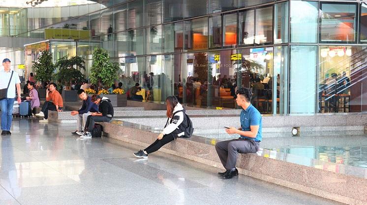 ハノイ(ノイバイ)空港の到着フロアから出た玄関口