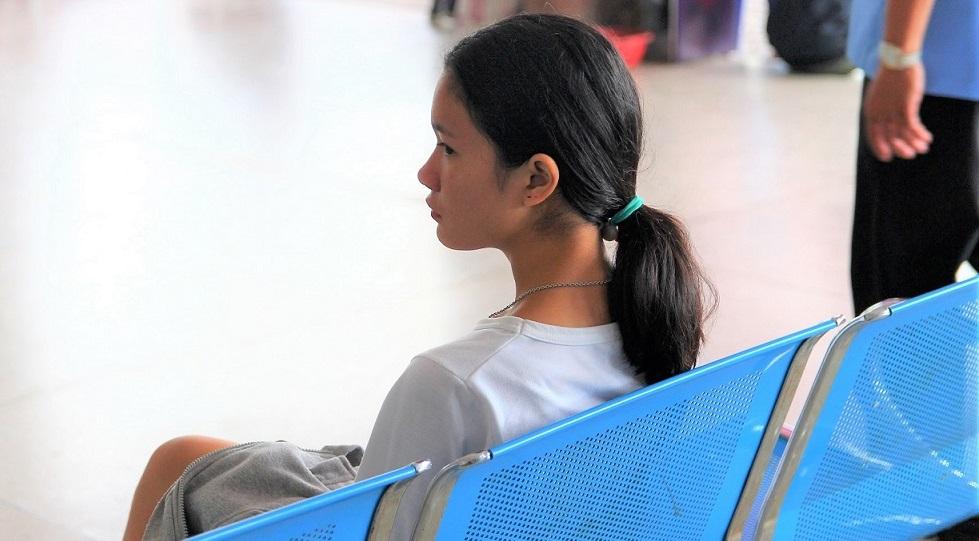 トラートバスターミナルの女性