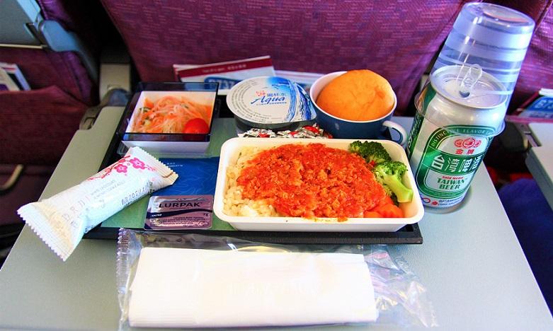 チャイナエアラインの機内食 台湾旅行