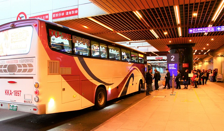 台北桃園空港の長距離バス乗り場