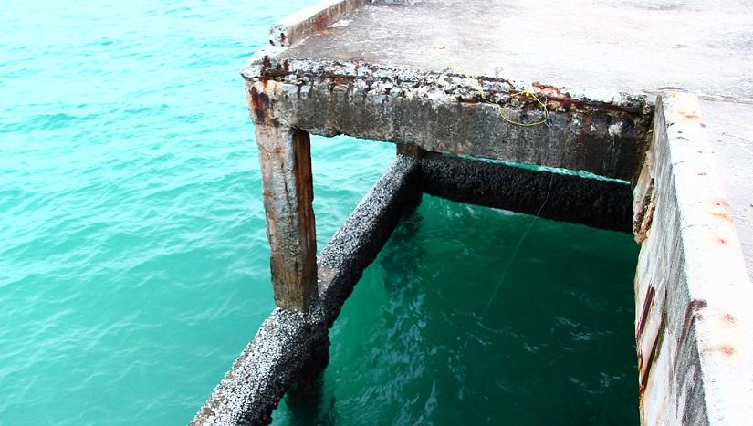 クート島のフェリー乗り場