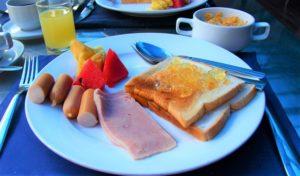 バンコクの朝ごはん|約350円です