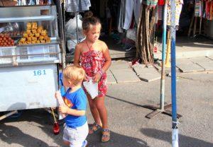 チャトゥチャック市場の子供たち|タイ旅行