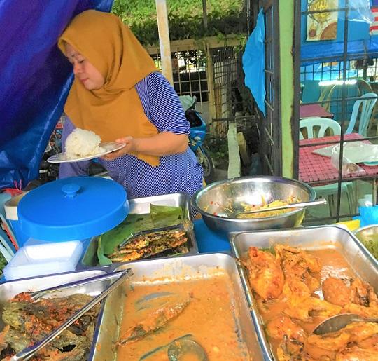 マレーシアのチキンカレーは超お勧め!