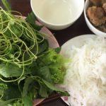 ベトナム料理|ハノイ名物の麺料理ブンチャーをホーチミンで食べる