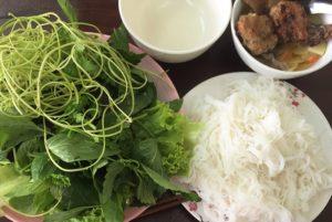 ベトナム料理 ハノイ名物の麺料理ブンチャーをホーチミンで食べる