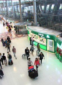スワンナプーム空港のロビー タイ旅行