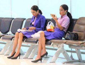 スワンナプーム空港のタイ航空のキャビンアテンダント|タイ旅行