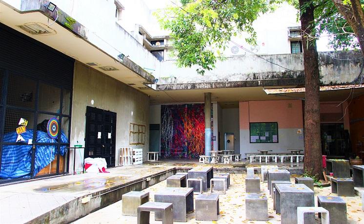 日本の交換留学にも大人気のチェンマイ大学の芸術学部キャンパスの写真