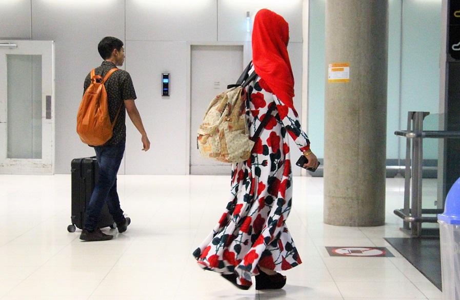 スワンナプーム空港で出会った若いイスラム系の女性|タイ旅行