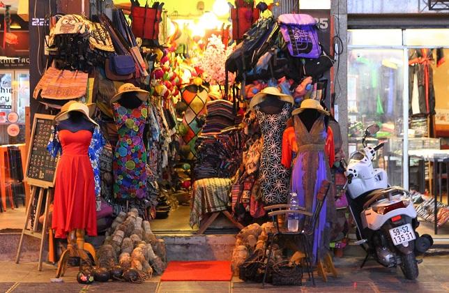 ベトナムのホーチミンのブイヴィエン通りのお店の写真