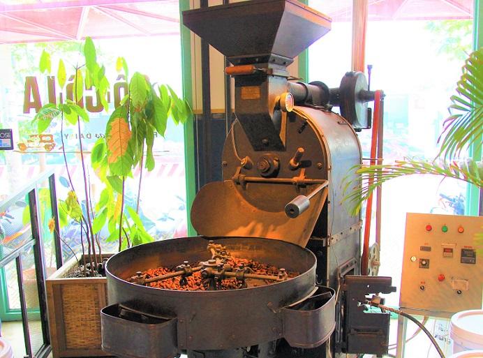 チョコレート製造機の展示物の写真|ベトナムのホーチミン