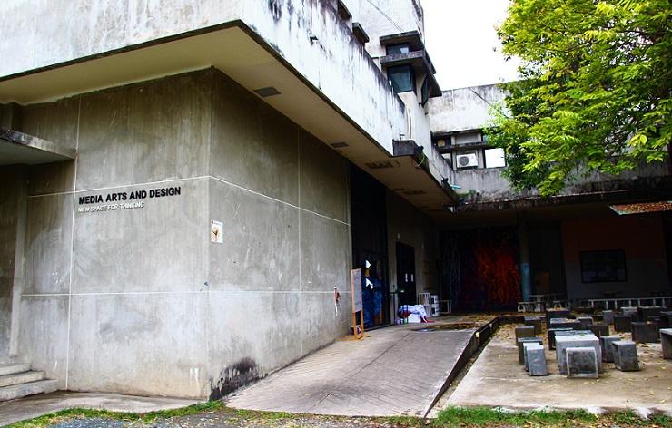 タイのチェンマイ大学のアートメディアとデザインキャンパスの写真