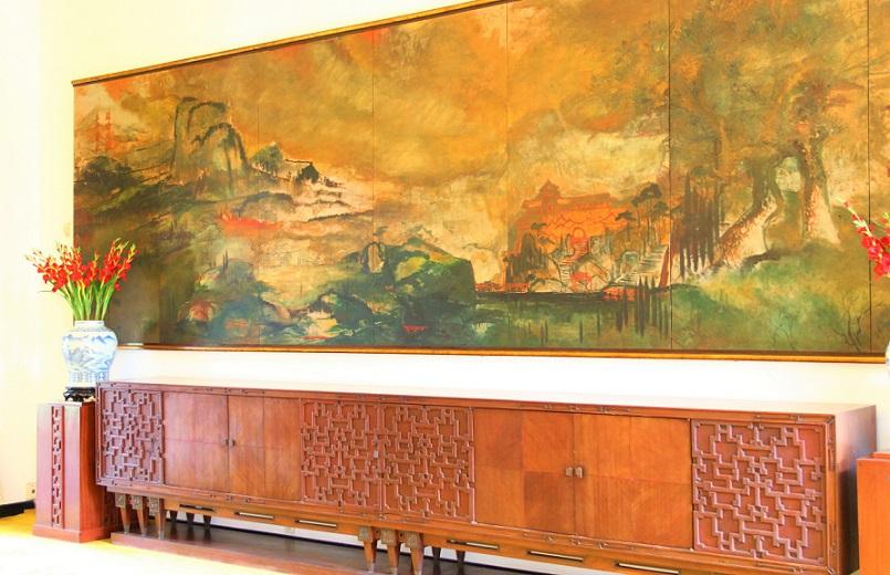 ホーチミン観光では外せない統一会堂の壁画の写真|ベトナム旅行