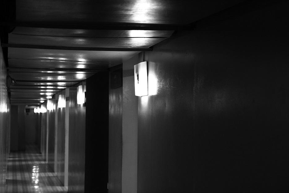 統一会堂の地下にある廊下の写真|ホーチミン観光
