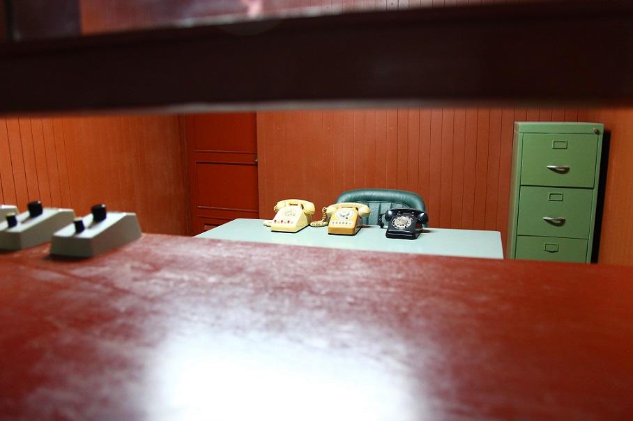 統一会堂の地下電話機の写真|ホーチミン観光