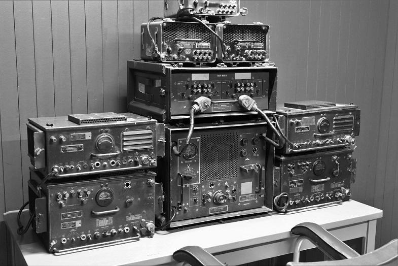 ベトナム戦争で実際に使われた無線機の写真