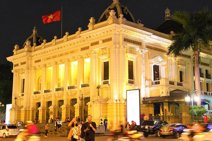 ハノイ観光では外せないお勧めスポット、オペラハウスの写真【ベトナム旅行】