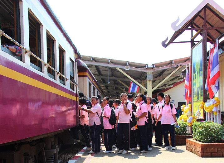 海外列車ファンが旅をする|タイ国鉄で楽しむ|リアルな車窓を見るのは博物館以上の興奮が!運行状況は事前に確認しよう