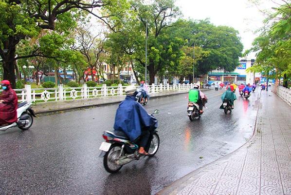 チュンティエン橋のフエ王宮側の写真|ベトナム旅行