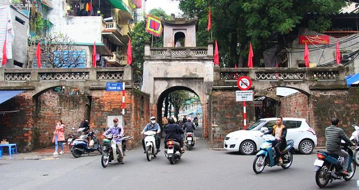 ハノイの旧市街から歩いて行けるで海鮮ラーメン店とドンハー門東河門【ベトナム旅行B級グルメ】