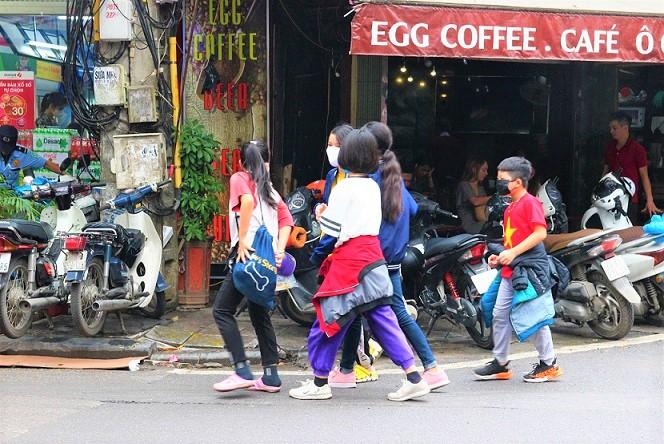 ハノイの旧市街のハンチエウ通りの子供たち|ベトナム旅行