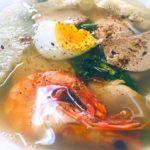 ベトナムのハノイで食べた、特大のエビ入りで超絶美味い福建麺の写真